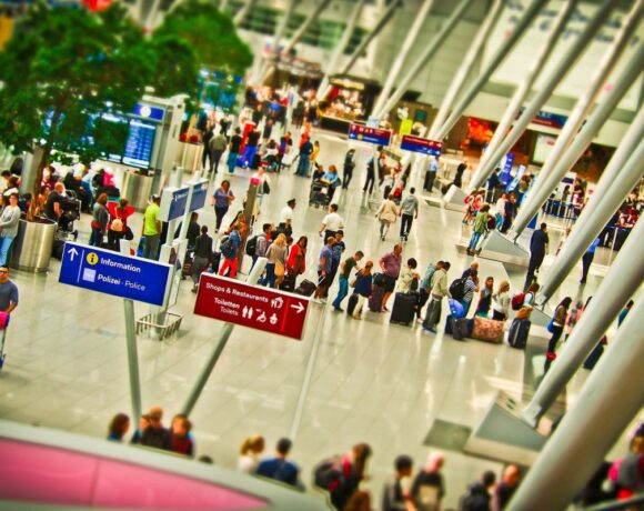 Airlines Pressing to Offer Vouchers Instead of Refunds Due to Covid-19