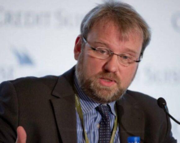 Βόλφγκανγκ Μινχάου: Κορωνο-ομόλογο και χωρίς την συναίνεση του Βερολίνου