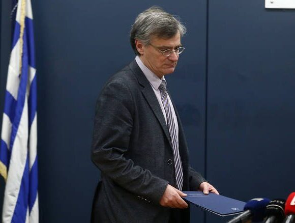 Δείτε live τις ανακοινώσεις του καθηγητή Σωτήρη Τσιόδρα