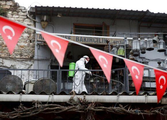 Κοροναϊός: 15 νεκροί σε ένα 24ωρο στην Τουρκία κόντρα στην αισιοδοξία Ερντογάν