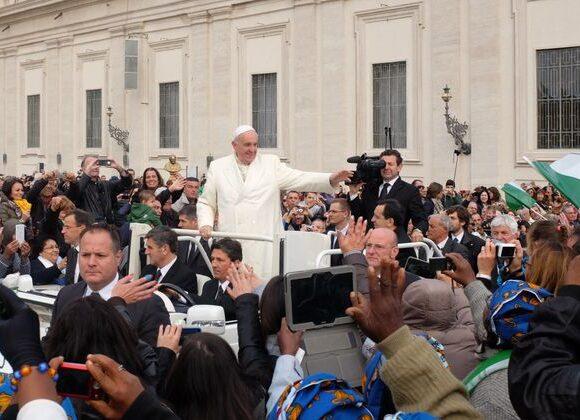 Κοροναϊός : Το Βατικανό δίνει πλήρη άφεση αμαρτιών σε όσους έχουν πληγεί από την πανδημία