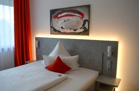 Κορονοϊός: Ξενοδοχεία, απομόνωση και κυκλοφορία