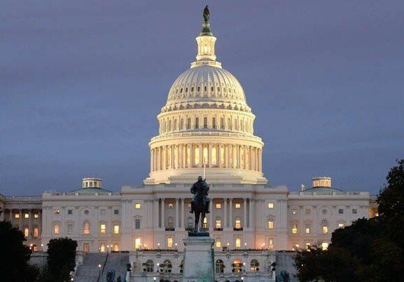 Κορωνοϊός: Η Γερουσία των ΗΠΑ ενέκρινε το πακέτο- μαμούθ των $2 τρισ.