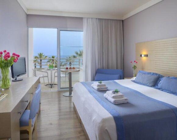 Κορωνοϊός: Ποια ξενοδοχεία κλείνουν και ποια μένουν ανοιχτά