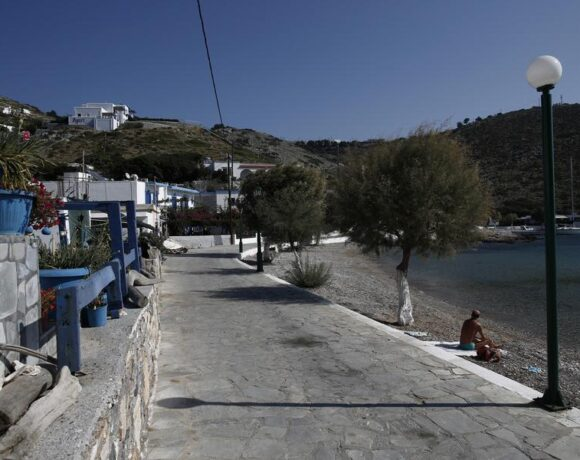 Μία εβδομάδα παράταση στα ξενοδοχεία σε νησιά όπου διαμένουν εκπαιδευτικοί