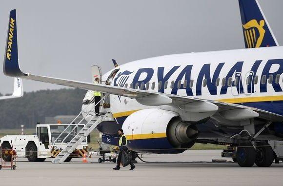 Μόνο από Ιρλανδία σε Βρετανία θα πετάει η Ryanair από 24 Μαρτίου