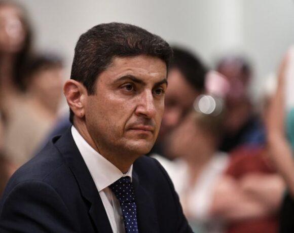 Παράταση στις διοικήσεις που λήγει η θητεία τους δίνει ο Αυγενάκης