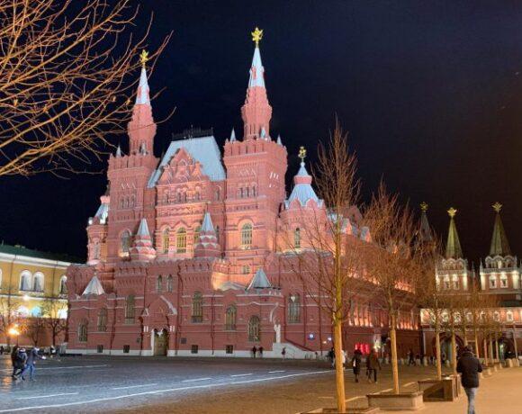Ρωσία: Πως επηρεάζονται τα τουριστικά πακέτα και η έκδοση Visa για την Ελλάδα Και τον Μάϊο, ιού, επιτρέποντος