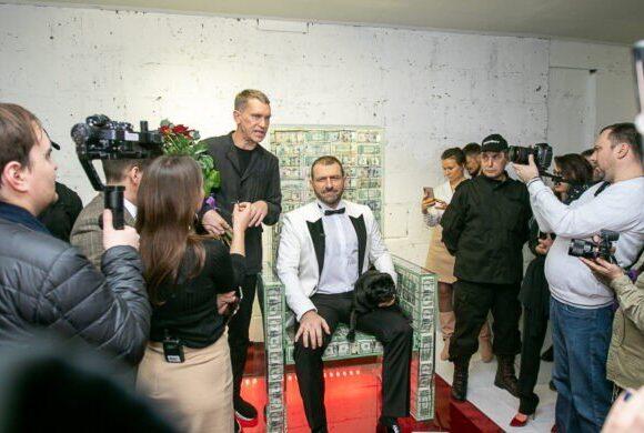 Ρώσος δισεκατομμυριούχος μοιράζει δωρεάν μάσκες στους Μοσχοβίτες