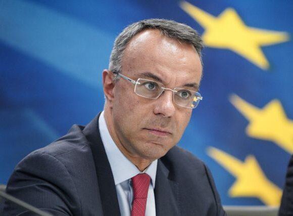 Σταϊκούρας: Διευρύνουμε το πλαίσιο προστασίας – Το 2020 η οικονομία θα περάσει σε ύφεση