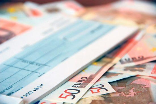 Στην τελική ευθεία το σχέδιο για τις μεταχρονολογημένες επιταγές – Τι προβλέπει