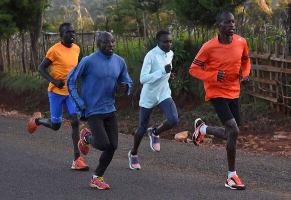 Συνελήφθησαν Κενυάτες γιατί έτρεχαν σε… γκρουπ