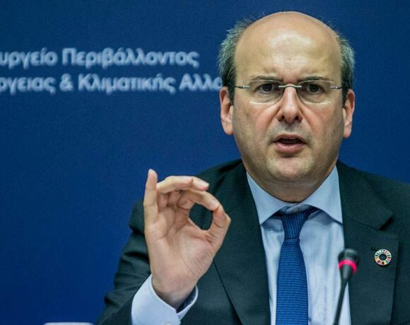 Χατζηδάκης: Δεν ξεχνάμε τους στρατηγικούς κακοπληρωτές λόγω της κρίσης