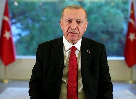 Όνειρο ζει ο Ερντογάν: Κάτωχρος, υπόσχεται «λαμπρές μέρες σε 3 εβδομάδες» – αλλά η κατάσταση έχει ξεφύγει