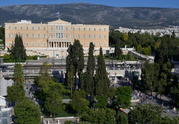 Greece Launches Financial Support Plan for All Covid-hit Businesses