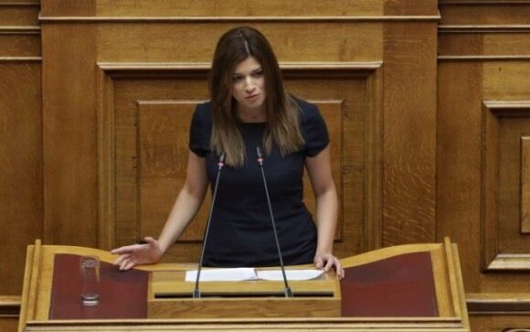 Απραξία στο υπουργείο Τουρισμού καταγγέλει η Κ. Νοτοπούλου|Βολές κατά Κ