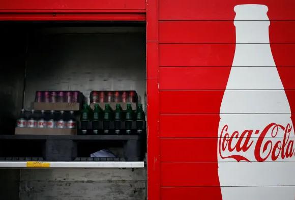 Αυτή η ύφεση χτύπησε ακόμα και την Coca-Cola – 25% κάτω οι πωλήσεις