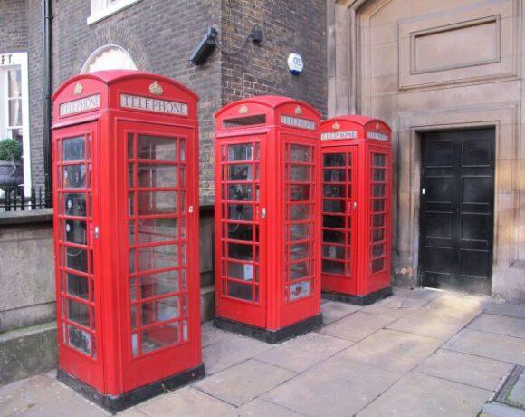 Βρετανία: «Επ' αόριστον» η ταξιδιωτική απαγόρευση από το Υπουργείο Εξωτερικών   Φόβος των tour operators για περισσότερες ακυρώσεις