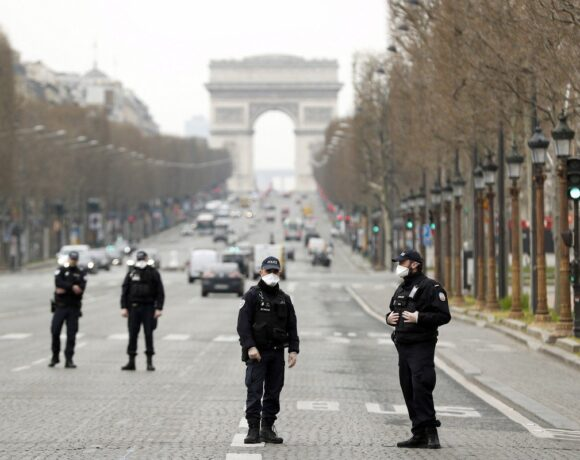 Γαλλία: Στους 22