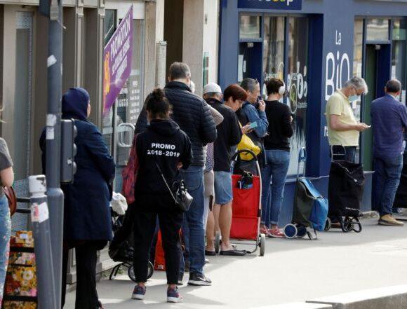 Γαλλια: Η καραντίνα οδήγησε τους φοιτητές στα συσσίτια