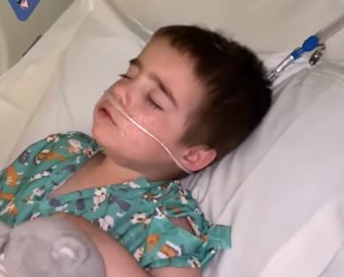 Γιατρός κατέγραψε καρέ-καρέ τη μάχη του 4χρονου γιου της με τον κοροναϊό