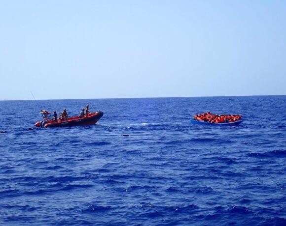 Δώδεκα πρόσφυγες έχασαν τη ζωή τους στο ταξίδι προς την Ευρώπη – Παράνομες επαναπροωθήσεις στη Λιβύη