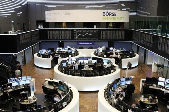 Ευρωαγορές: Πτώση στην Ισπανία, συγκρατημένη άνοδος στη Γερμανία