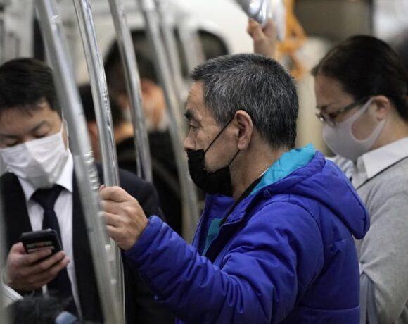 Η Ιαπωνία δίνει στους πολίτες της 930 δολάρια ακολουθώντας το παράδειγμα Τραμπ
