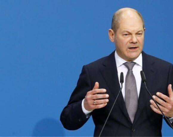 Η πανδημία είναι μια έκκληση για αλληλεγγύη, δηλώνει ο Σολτς αλλά λέει nein στο ευρωομόλογο