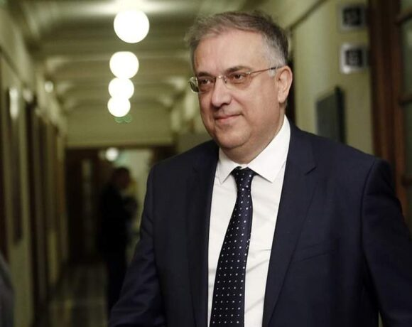 Θεοδωρικάκος: Οι Έλληνες τα έχουν καταφέρει καλά στην πρωτοφανή κρίση