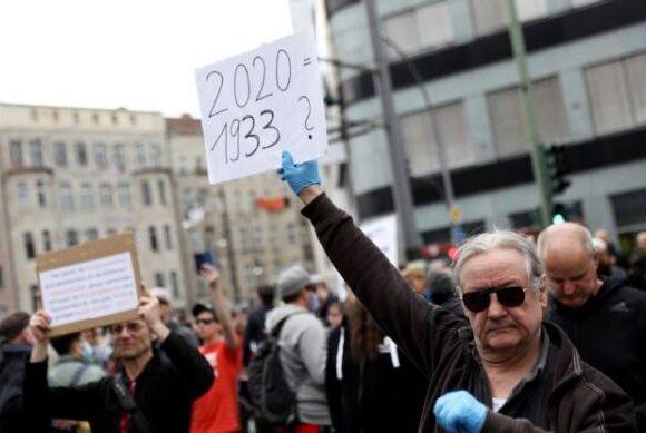 Κοροναϊός : Διαδηλώσεις για τα συνταγματικά δικαιώματα στη Γερμανία