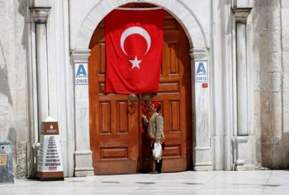 Κοροναϊός: Νέο τριήμερο «λουκέτο» σε 31 τουρκικές πόλεις ανακοίνωσε ο Ερντογάν