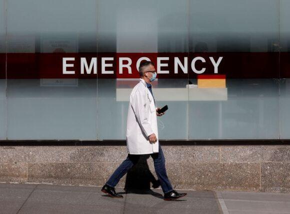 Κοροναϊός : Νοσοκομεία στις ΗΠΑ απειλούν με απόλυση όσους μιλούν για τις τραγικές συνθήκες