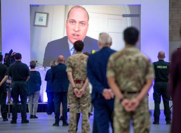 Κοροναϊός : Ο πρίγκιπας Ουίλιαμ εγκαινίασε νέο νοσοκομείο για ασθενείς