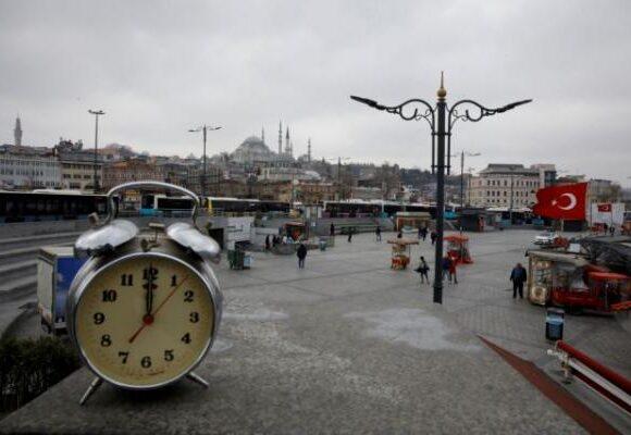 Κοροναϊός: Την… κολόνια επιστρατεύουν στην Τουρκία για να σκοτώσει τον ιό