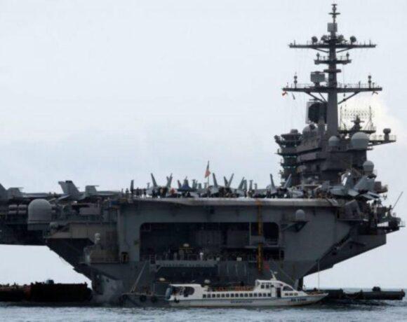 Κοροναϊός : To Πολεμικό Ναυτικό ζητά να αποκατασταθεί ο πλοίαρχος του «Θίοντορ Ρούζβελτ»