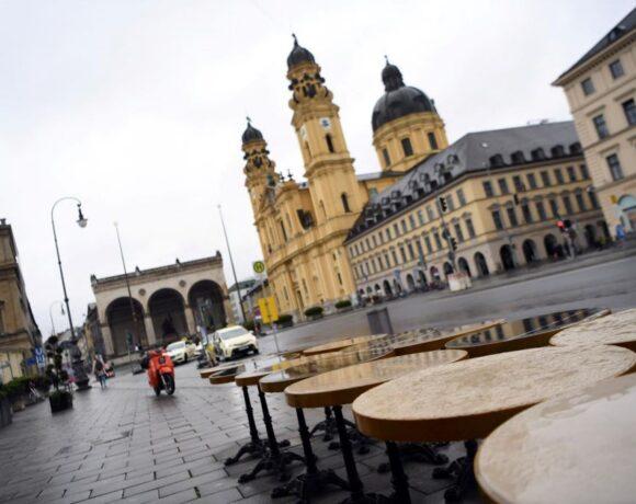 Κορονοϊός – Γερμανία : Καθησυχαστικοί οι λοιμωξιολόγοι για την ελαφρά αύξηση του δείκτη αναπαραγωγής του ιού