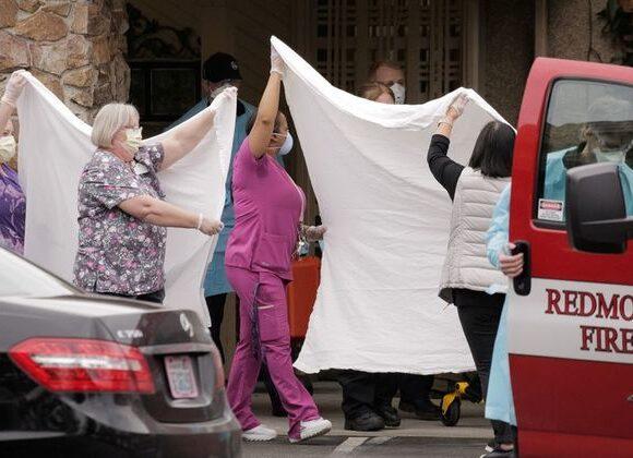 Με την πλάτη στον τοίχο οι ΗΠΑ : Θλιβερό ρεκόρ 865 θανάτων σε ένα εικοσιτετράωρο