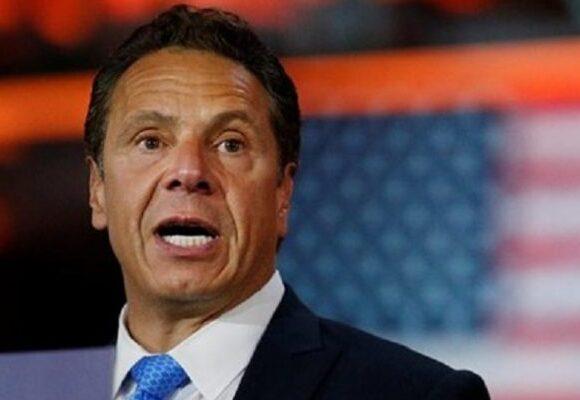 Ο κυβερνήτης της Νέας Υόρκης εμφανίζεται συγκρατημένα αισιόδοξος, καθώς βελτιώνονται τα στοιχεία κορωνοϊού
