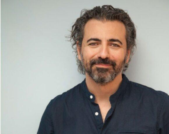 Ο Λευτέρης Γιοβανίδης, νέος καλλιτεχνικός διευθυντής του Δημοτικού Θεάτρου Πειραιά
