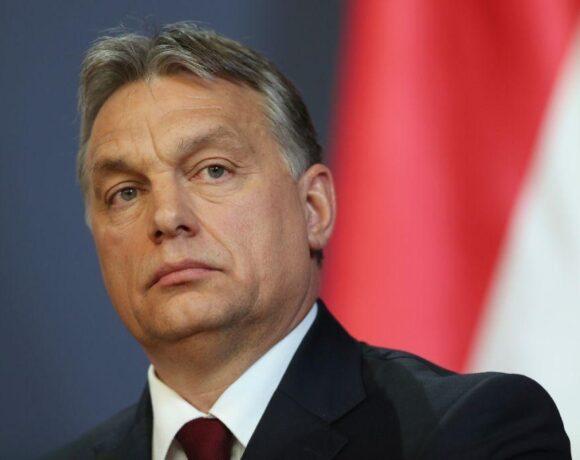 Ουγγαρία: Ο Όρμπαν ετοιμάζεται να βάλει τέλος στη νομική αναγνώριση των τρανς