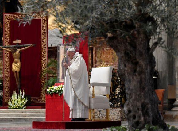 Πάπας Φραγκίσκος: Αντιμέτωπη με μια ιστορική πρόκληση η Ευρώπη