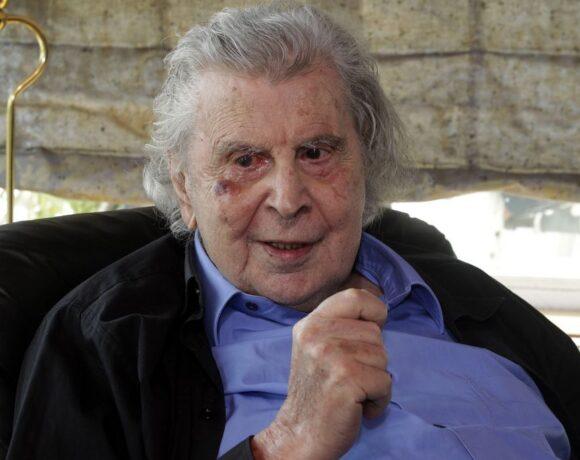 Παρέμβαση Μίκη Θεοδωράκη για τα δικαιώματα των καλλιτεχνών: «75 χρόνια, ίδια μυαλά!»