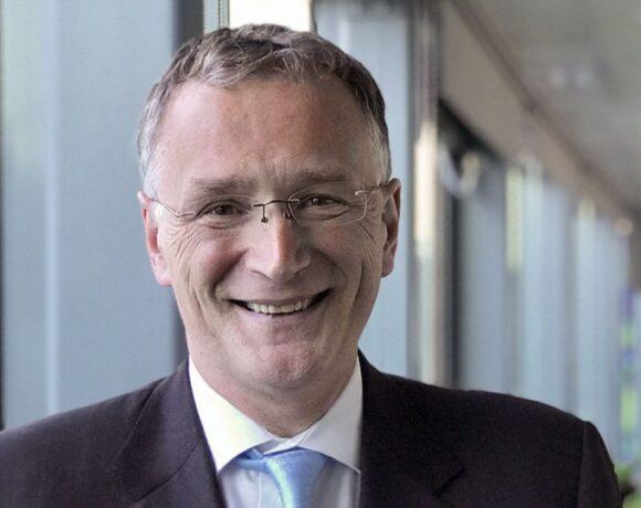 Παραιτήθηκε ο επικεφαλής του Ευρωπαϊκού Συμβουλίου Ερευνας με επιστολή-κόλαφο για την αντιμετώπιση του COVID 19