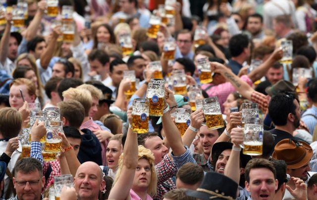 Προς ματαίωση οδηγείται το Oktoberfest λόγω κοροναϊού
