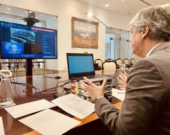 Σεντένο: Έκκληση για σοβαρή απάντηση στην κρίση – Δάνεια χωρίς μνημόνιο και Τρόικα
