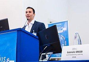 Στο στόχαστρο του QCM η Akazoo, ελληνικών συμφερόντων εταιρεία του Nasdaq