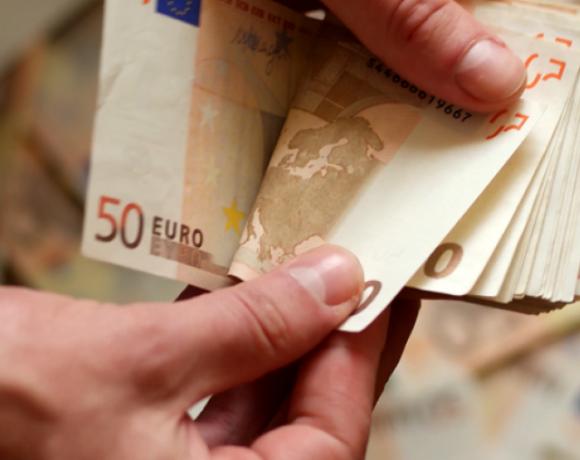 «Τέλος χρόνου» και για τις αιτήσεις για τα 800 ευρώ στις επιχειρήσεις