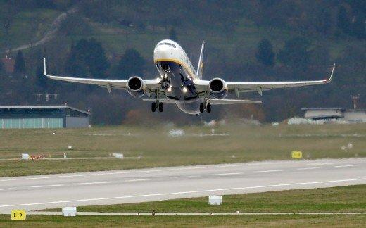 Υπηρεσία Πολιτικής Αεροπορίας: Για ποιες χώρες παρατείνεται η αναστολή πτήσεων εως τις 15 Μαϊου