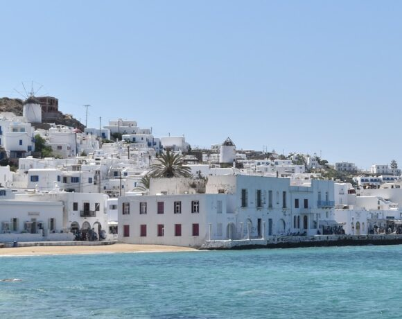 Covid-19: Greece Imposes Curfew on Mykonos
